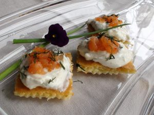 simple crust for salmon appetizer with horseradish cream